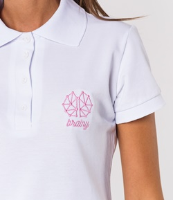 Вышивка логотипа на одежде